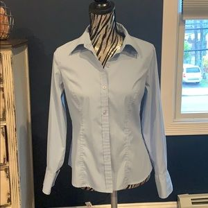 Light blue -fitted- button up top